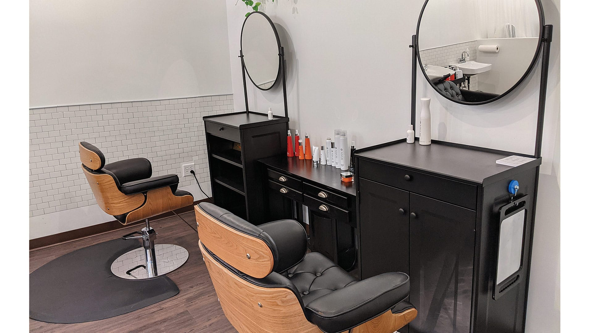 The new hair stations at SkinCatering